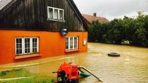 Skutki ulewy w powiecie: Zalane domy, 12 osób ewakuowanych