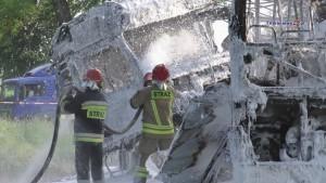 Autobus zderzył się z TIR-em. 16 osób poszkodowanych