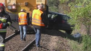 Poważny wypadek na przejeździe kolejowym. Poszkodowaną zabrał śmigłowiec…