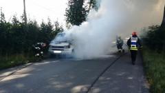 Na ul. Kolejowej palił się dostawczak