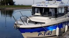 Policjanci z Fromborka otrzymali nowoczesną łódź patrolową