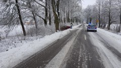 Trudne warunki na drogach – kierowcy, noga z gazu!