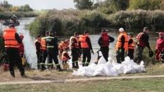 Zalew 2019 - strażacy przez ponad dobę walczyli z powodzią