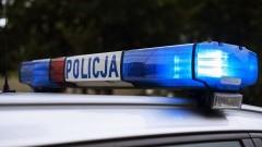 Pijany motorowerzysta zderzył się z samochodami