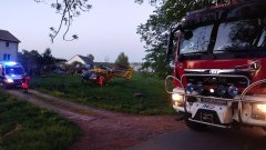 Pożar kotłowni w Rogitach. Poparzoną kobietę zabrał śmigłowiec…
