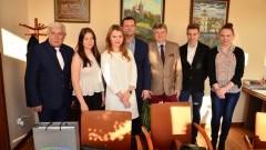 Stypendyści premiera z wizytą u starosty