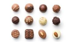 Słodka niespodzianka - sprawdź, które czekoladki warto kupić w prezencie!