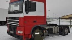 Zatrzymana ciężarówka na przejściu granicznym w Grzechotkach