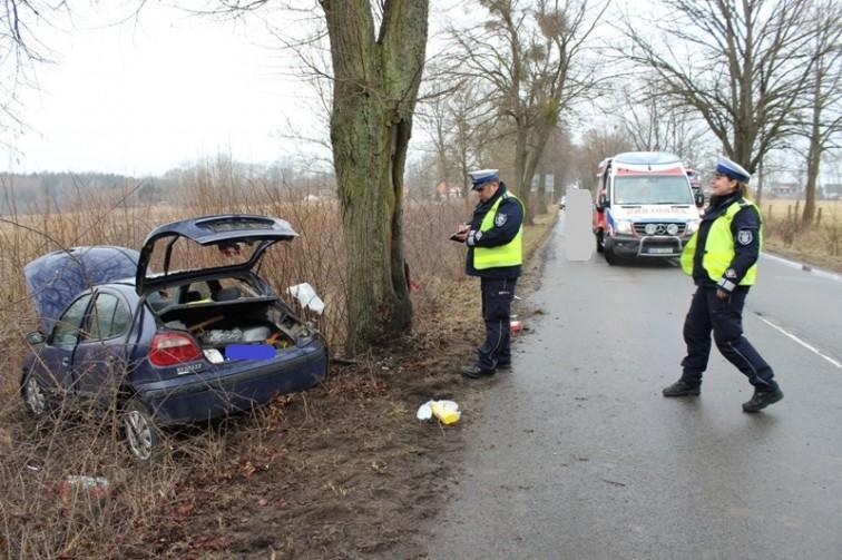 Wypadek w pobliżu Maciejewa. Matka i półroczne dziecko w szpitalu