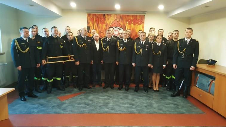 Braniewscy strażacy pożegnali kolegę, który odszedł na emeryturę [wideo]