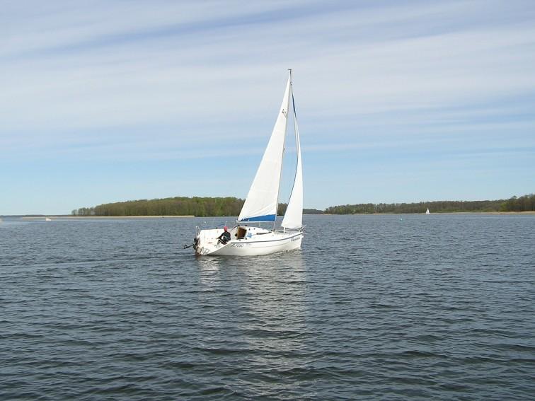 Odzież żeglarska - niezbędnik na każdy rejs