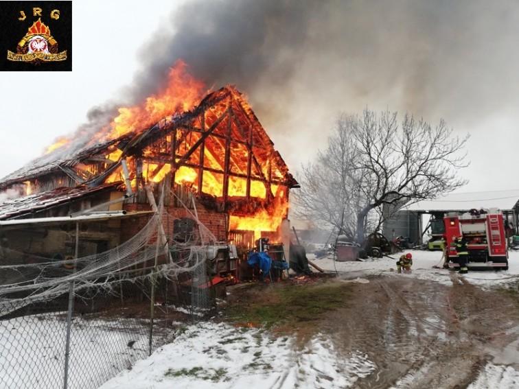 Szyleny: Palił sie budynek gospodarczy
