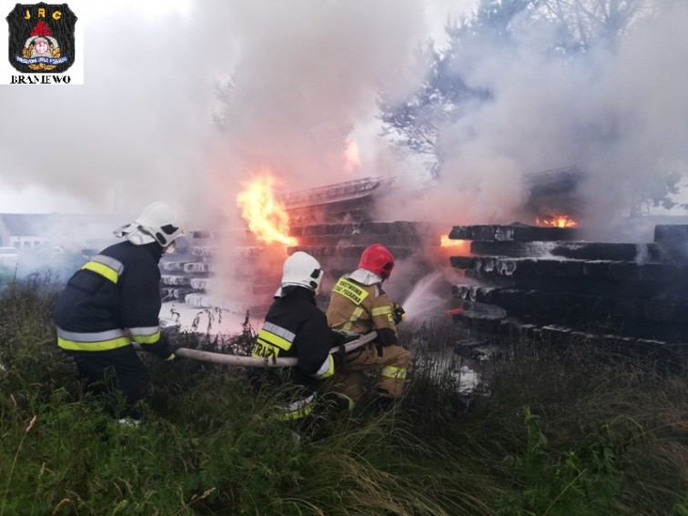 Pożar w Żelaznej Górze. Paliły się podkłady kolejowe
