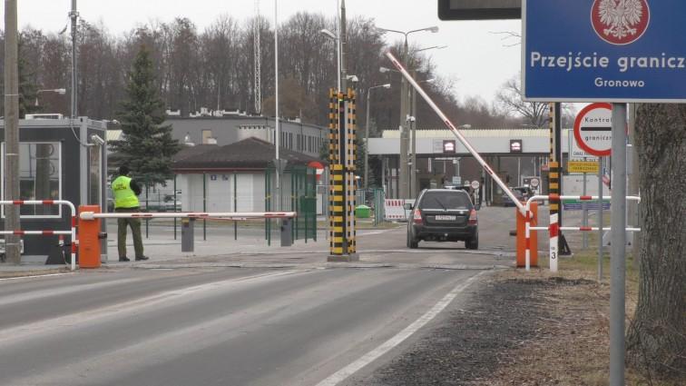 Czasowo wstrzymana odprawa na przejściu granicznym w Gronowie