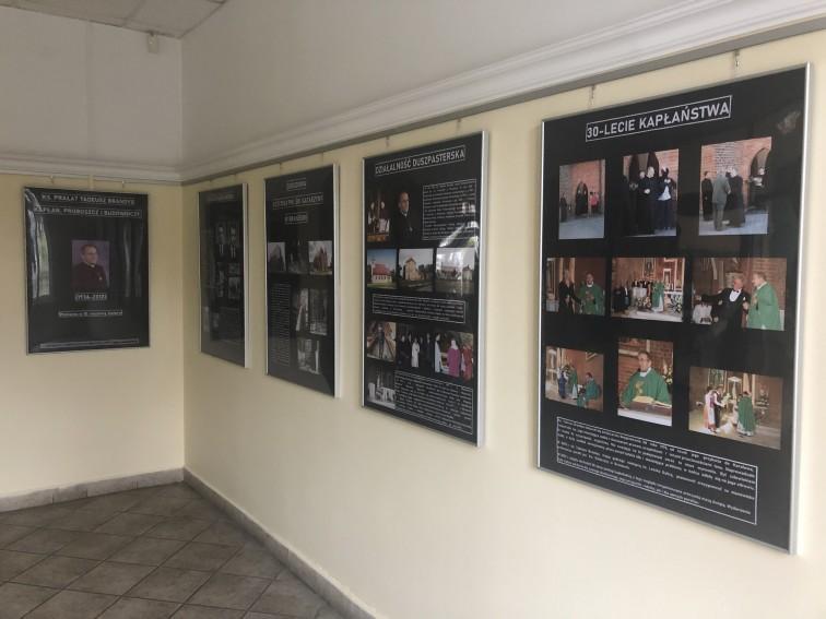 Wystawa upamiętniająca ks. prał. Tadeusza Brandysa
