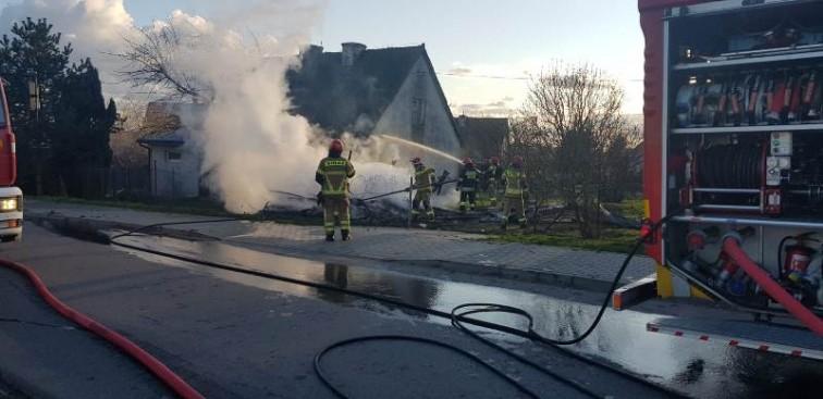 Pożar w Klejnówku. Spłonął budynek gospodarczy