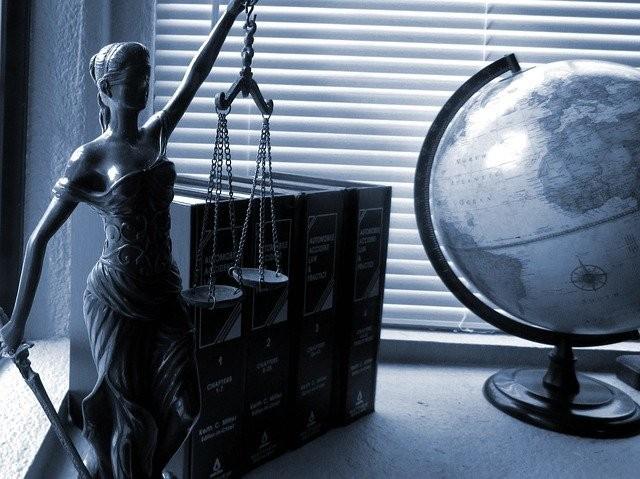 Dobry prawnik - jak wybrać adwokata?