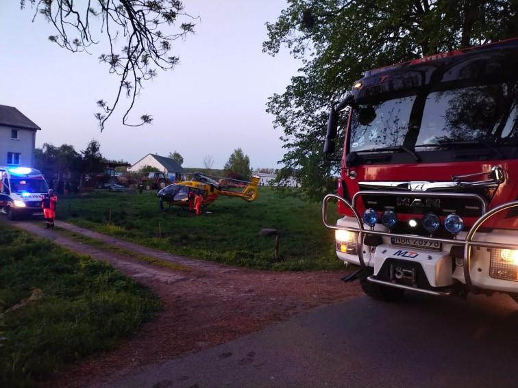 Pożar kotłowni w Rogitach. Poparzoną kobietę zabrał śmigłowiec LPR