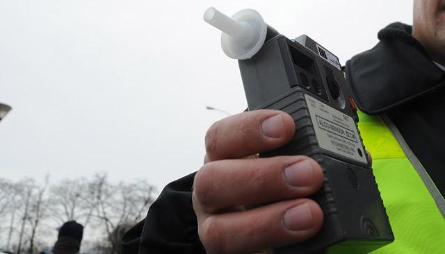 Elbląg: Kolejni nietrzeźwi kierowcy w rękach policji. Niechlubnym rekordzistą mieszkaniec Braniewa
