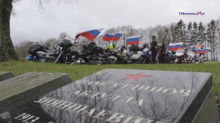 Rosyjscy oficjele i motocykliści uczcili pamięć czerwonoarmistów