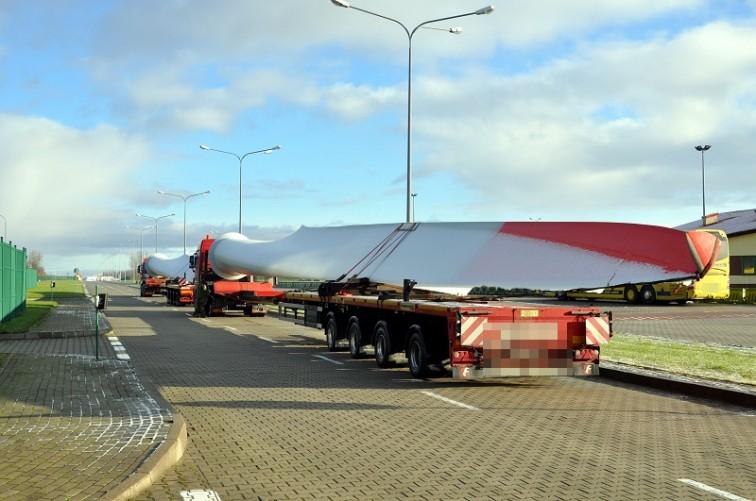 Grzechotki: Nietypowy transport na granicy