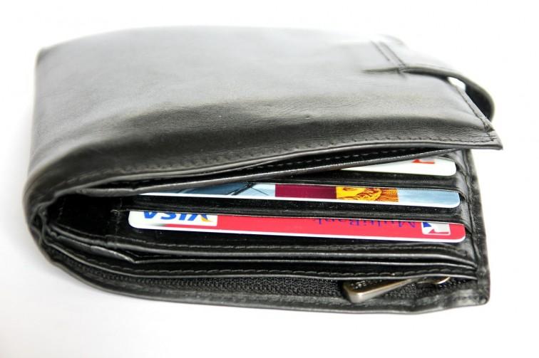 Zgubił portfel z dokumentami i pieniędzmi. Prosi o pomoc w odnalezieniu