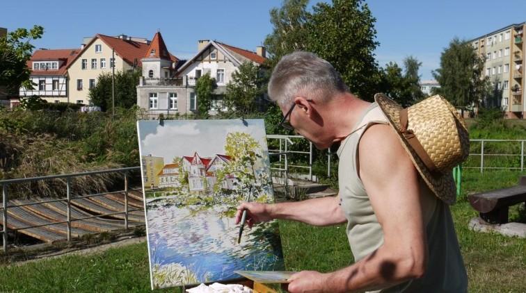 Malowali miasto i okolice. Za nami Międzynarodowy Plener Malarski –…