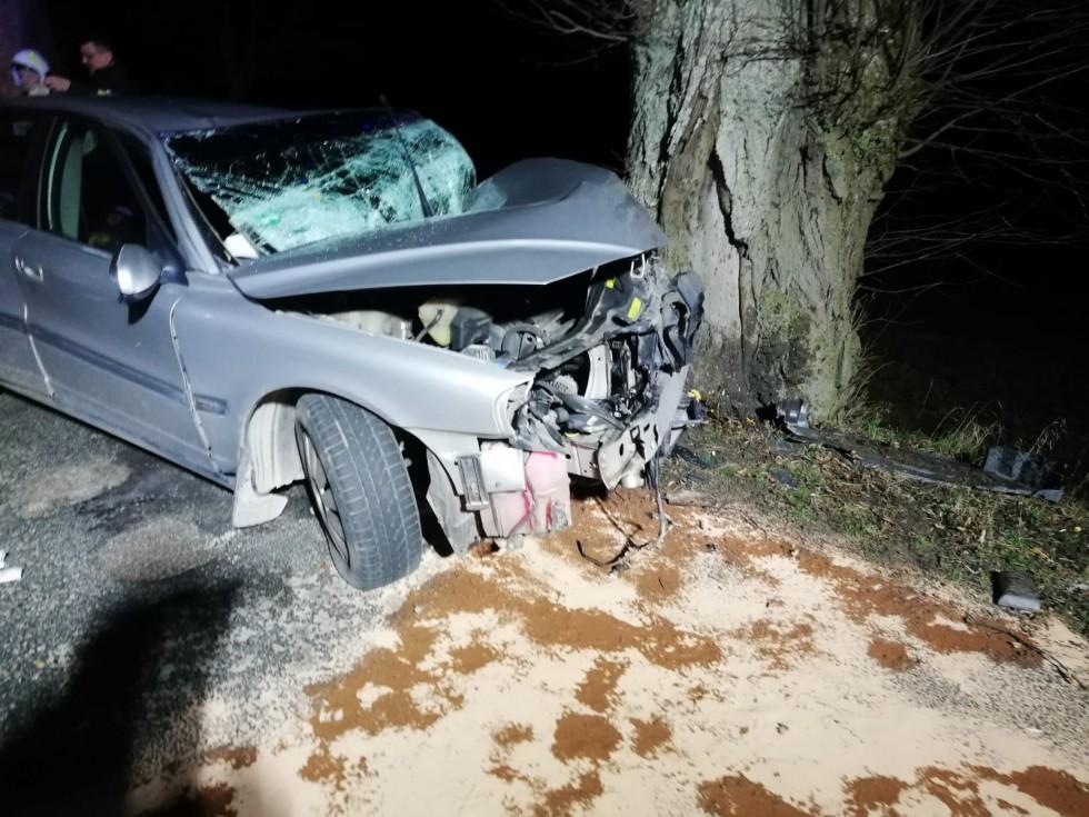 Wypadek Volvo w pobliżu Ciesząt